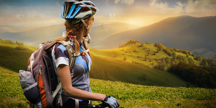 Coach Jessica Weston explains the fundmentals of mountain biking